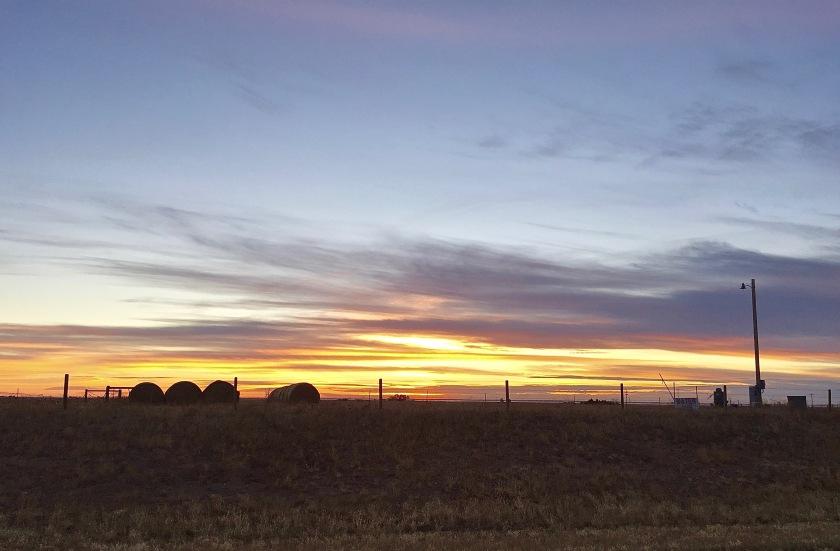 2016-11-06 Haybale sunset